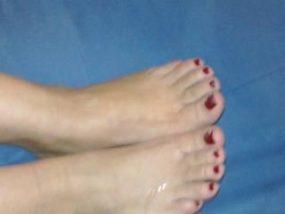 I love it!  Very sensuous toes sooooooooo sexy covered with fresh cream! Care for another load...?  :-)