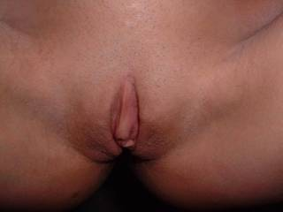 Mrs Oz\'s clit hood swollen from wanking it, in the pre pierced days