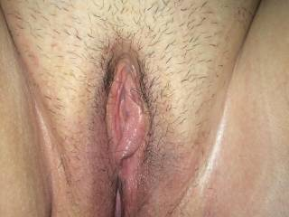 what a beautiful clear photo of a gorgeous pussy. I can almost taste it. So would love to just probe that hot cunt with my tongue.