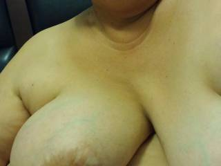want to hold your gorgeous soft breast in my hands, play with thm while susucking your delicious nips. btw love your ute face too.