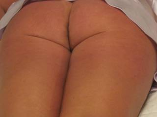 I share the same dilema, and agree. Awesome pic of your equisite perfect round ass! I love it!!!! So want my lips and tongue there, mmmmm