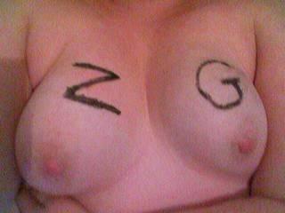 mmmmmmmmmmmmmmmmmmm very nice tits babe would love to cum over them