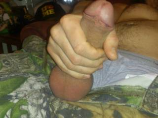 It's a hot cock I want to run my tongue all over.