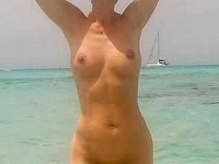 I love nude swimming