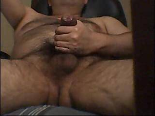 mmmmmm thats the sexyest thick uncut cock.I would love to suck that cock and swallow that hot load.