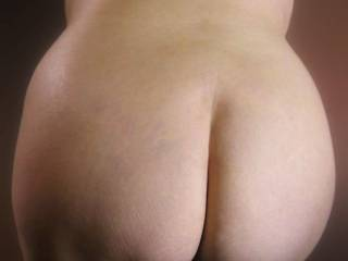 Dam what a beautiful sexy ass I want some of you sexy lady Mmmm