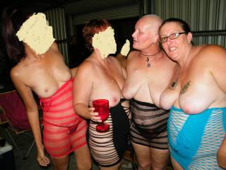 yum, what gorgeous ladies! we'd luv to join u for some fun!
