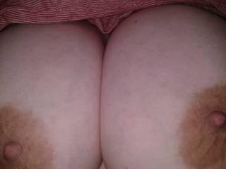 Peek a boobies!