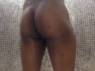 Ladies does my bum look big? Ladies love your sexy comment and friend request😍