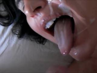 My lovely wife give me a great handjob and give her a facial. Yamiiiiiii