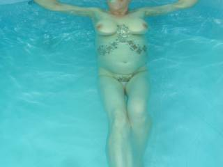 just had to cool down in the pool I do enjoy being totally naked mature couple
