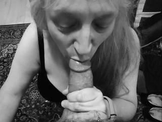 """Femme Sexuelle - Noir et Blanc Classique: """"Lips Around Another Cock"""""""