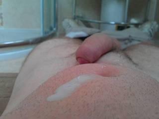 felt horny so had a wank in one of my customers bathroom