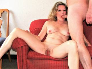 Draga posing with cock in my mouth!  Naked also! I hope you like my picture. please let me know