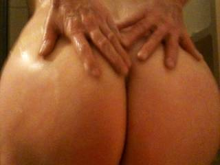 she does have a amazing ass,love to have it all over my face and around my dick