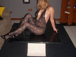 Baby ! Your SEXY Body will turn the Company you are waiting for into horny people ready for a Hot Orgy ! You are WOW !