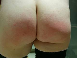 Love to leave my handprint on that sexy ass xxx