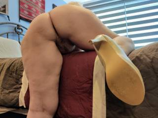 Grab my ass, and fuck this married woman! Hard. Deep. Fill me with your seed.