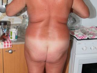 Fuk yes great ass real natural figure love the tan lines