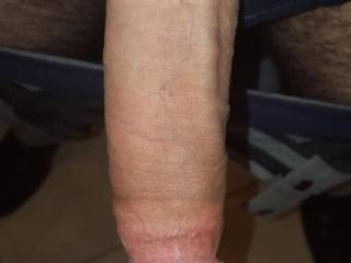 I like to let it all hang out. I leave the windows open because I'm not shy. Would love to have some sexy ZOIG ladies living near me. Would you like to spy on this?