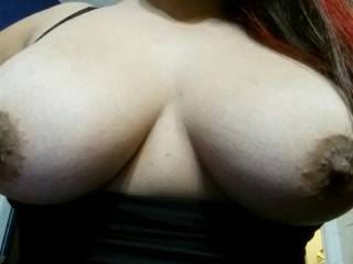 My girl friends bff likes to play with me and show me pics they take together