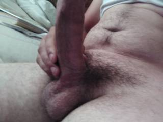 Who wants to make me cum