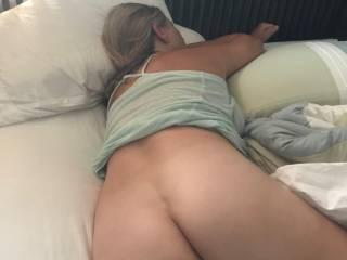 hey guy\'s...wanna cum get on this big ass....
