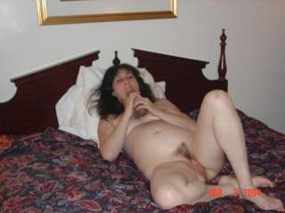Love the curves, the sspread waiting for me to eat your pussy ...Mmmm, also love a pussy with some hair!