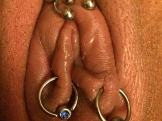 I love the way my wife\'s pussy looks after a good pumping with our new toy.