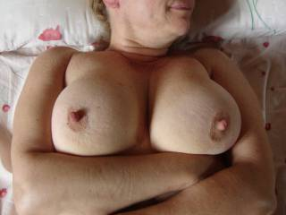 Beautiful big tits with dark crinkly skinned sexy areola round those fabulous organ stop nipples I'd love to suck, mmmm