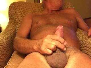 I like to help you, love to play with your amazing cock. Really great video !