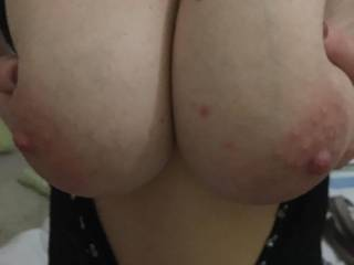 I know you like these so show me by cumming over me. I want to  enjoy your clima/explosion, the more the better, can never have to much yummi cummy ha.  The first person to record a slowmo video of them cumming over any of our posts will get a fan picðŸ'