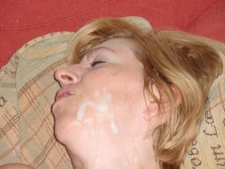 very hot!!! same here love to cover that sexy mature face of yours mmm