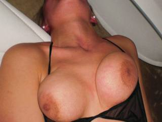 love to fuck your sexy big tits
