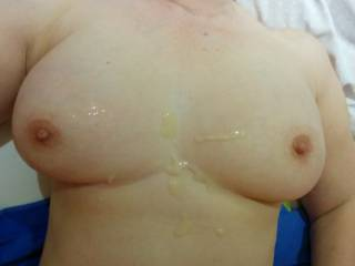 After a stunning blowjob with lots of amazing ball sucking I finally exploded all over her gorgeous boobs. You\'ve got to love a work from home day