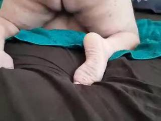 He invited another guy to fuck me - you may want to turn the volume down I was embarrassingly vocal and the bed makes a lot of noise too!
