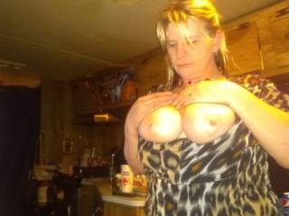 Well who wants to fuck my titts