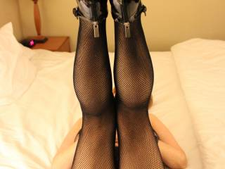 Yes legs are up ! But need to spread them  A little  But still a beautiful view!! mmmm