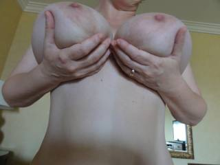 Now those are some titties! If you've got em flaunt em! And you've got em! Amazing tits!