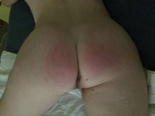 Love to leave my red handprints all over that hot ass!