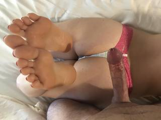 For some reason I've been obsessed with wifeys feet lately. I can't help but jack off all over her soles. Anyone else love worshipping their lady's feet?