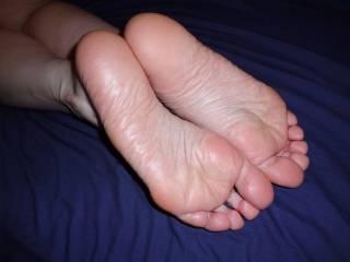 Very lickable soles, very sexy.
