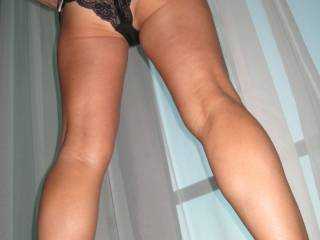 I love your sexy legs! I'd love to shoot my cream all over them ;)