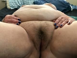 Mmmmm, thick meaty hairy BBW pussy!