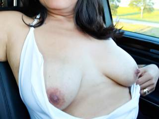 Car tits in public…driving around town can be so much fun!