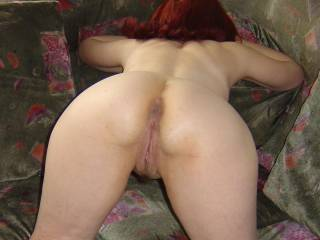 omg mmm !!!!  perfect for a good licking holding your hair and easeing my cock up into that tasty looking fanny to service it babe