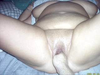 starting to put my hand up her pussy