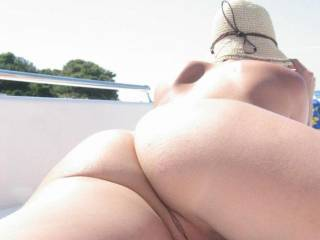Man, i LOVE this view! Those cheeks, that pussy, very exciting!