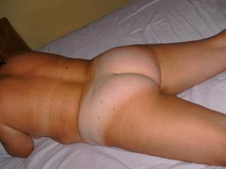 Love tan lines on big soft white asses like your sexy.