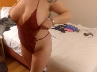 Who likes my new outfit. Titties don\'t fit tho